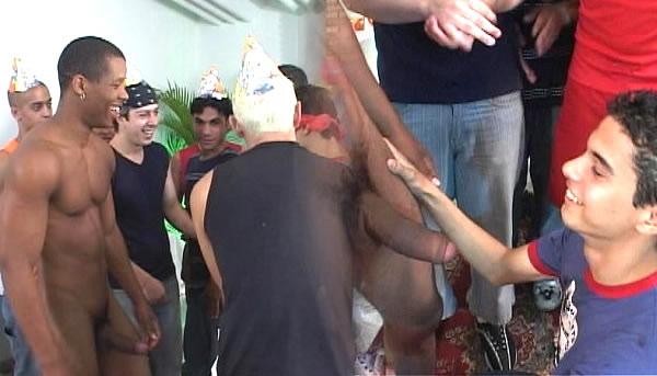 Festinha da putaria gay; Brazilian Gay Party;